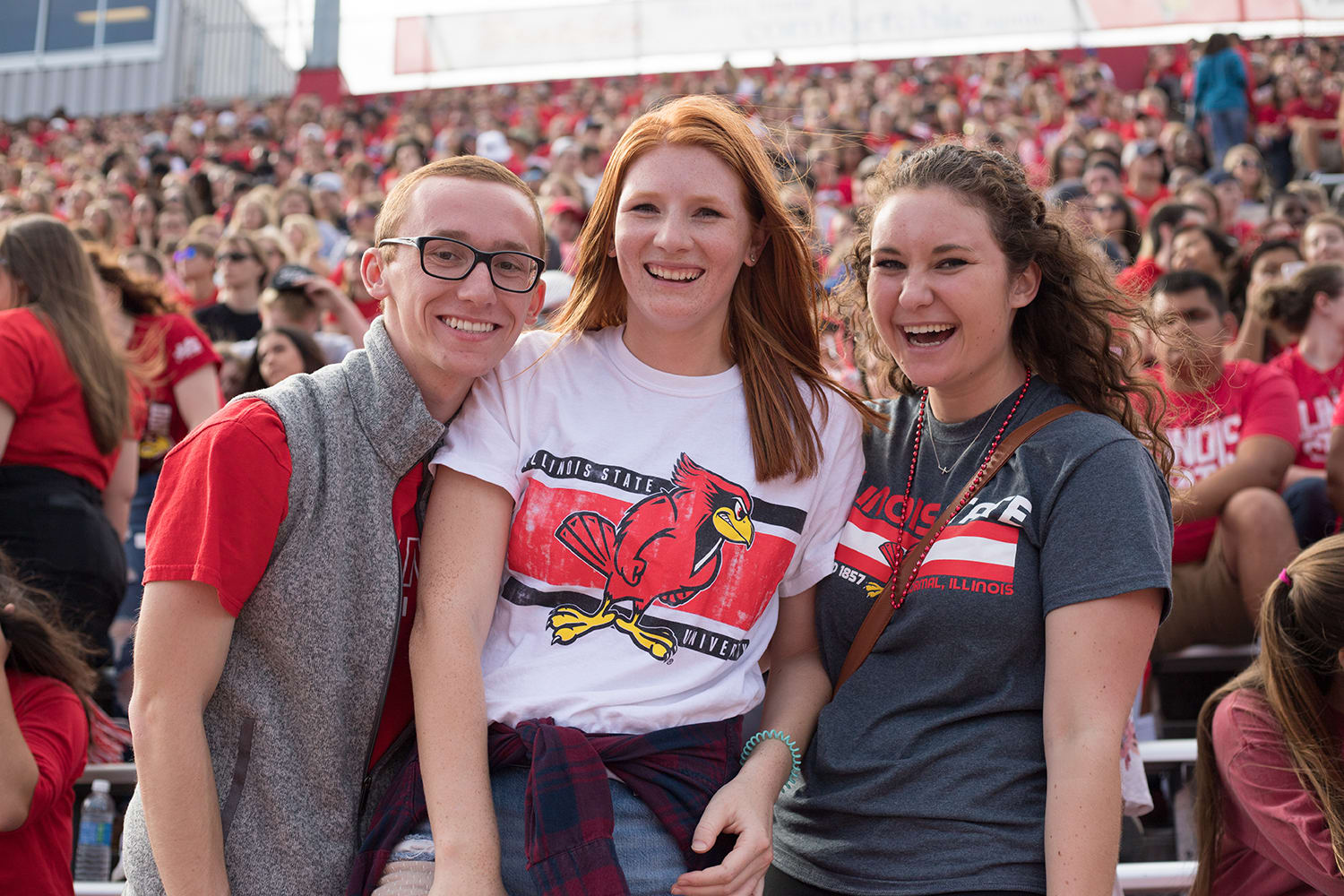 Show your team spirit at an Illinois State football game