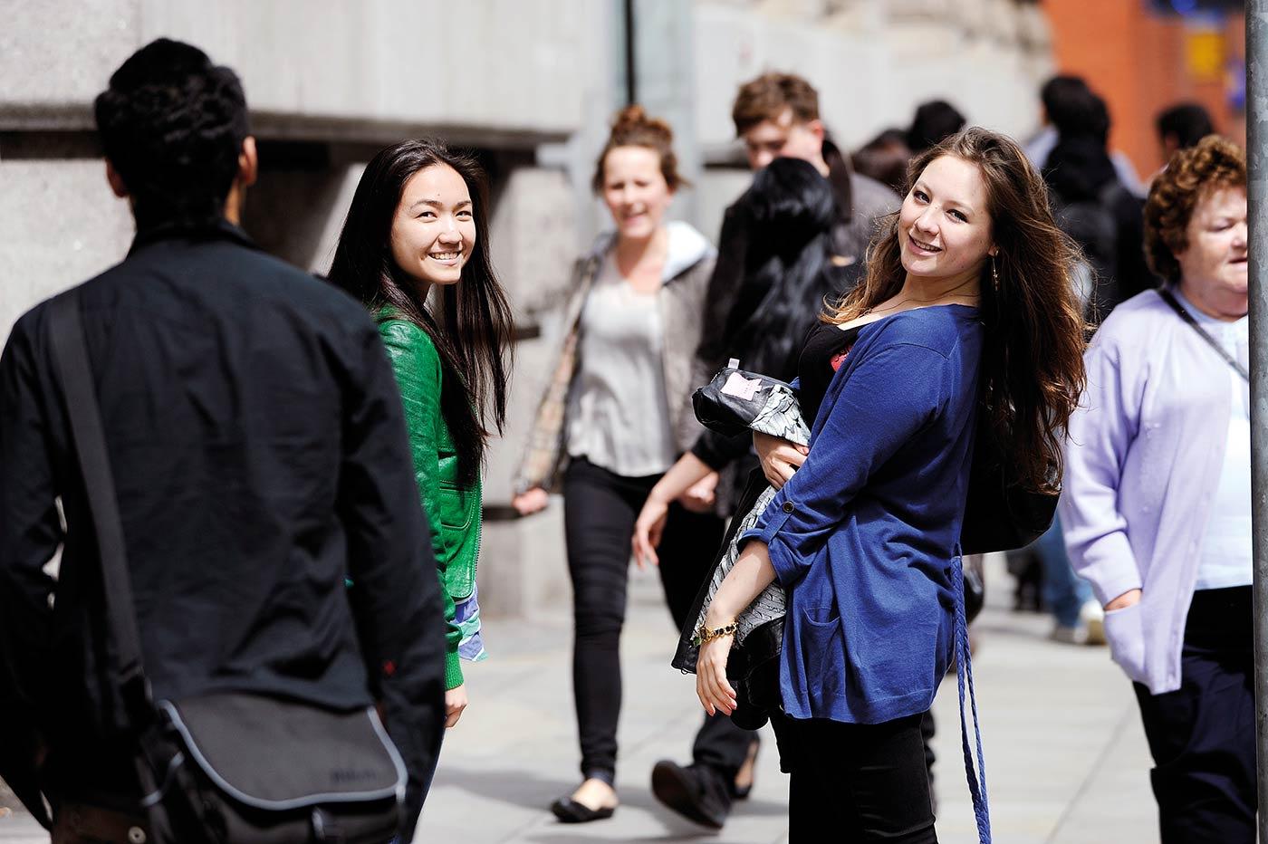 عِش وتعلم في واحدة من أفضل المدن الطلابية بالعالم
