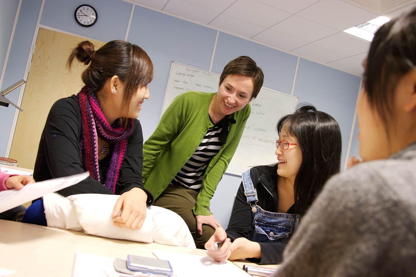 An average 1:9 student to teacher ratio