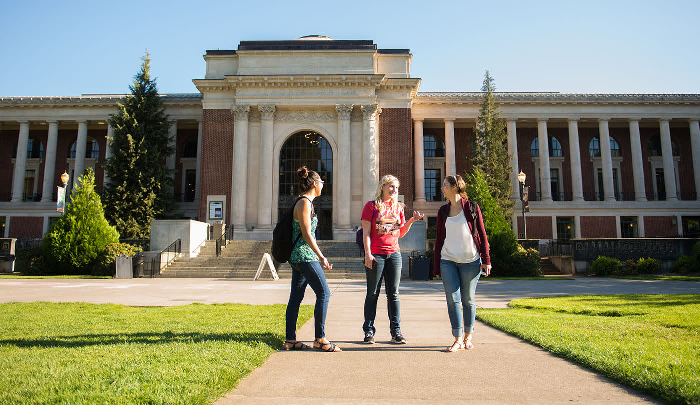 Scholarships at INTO Oregon State University