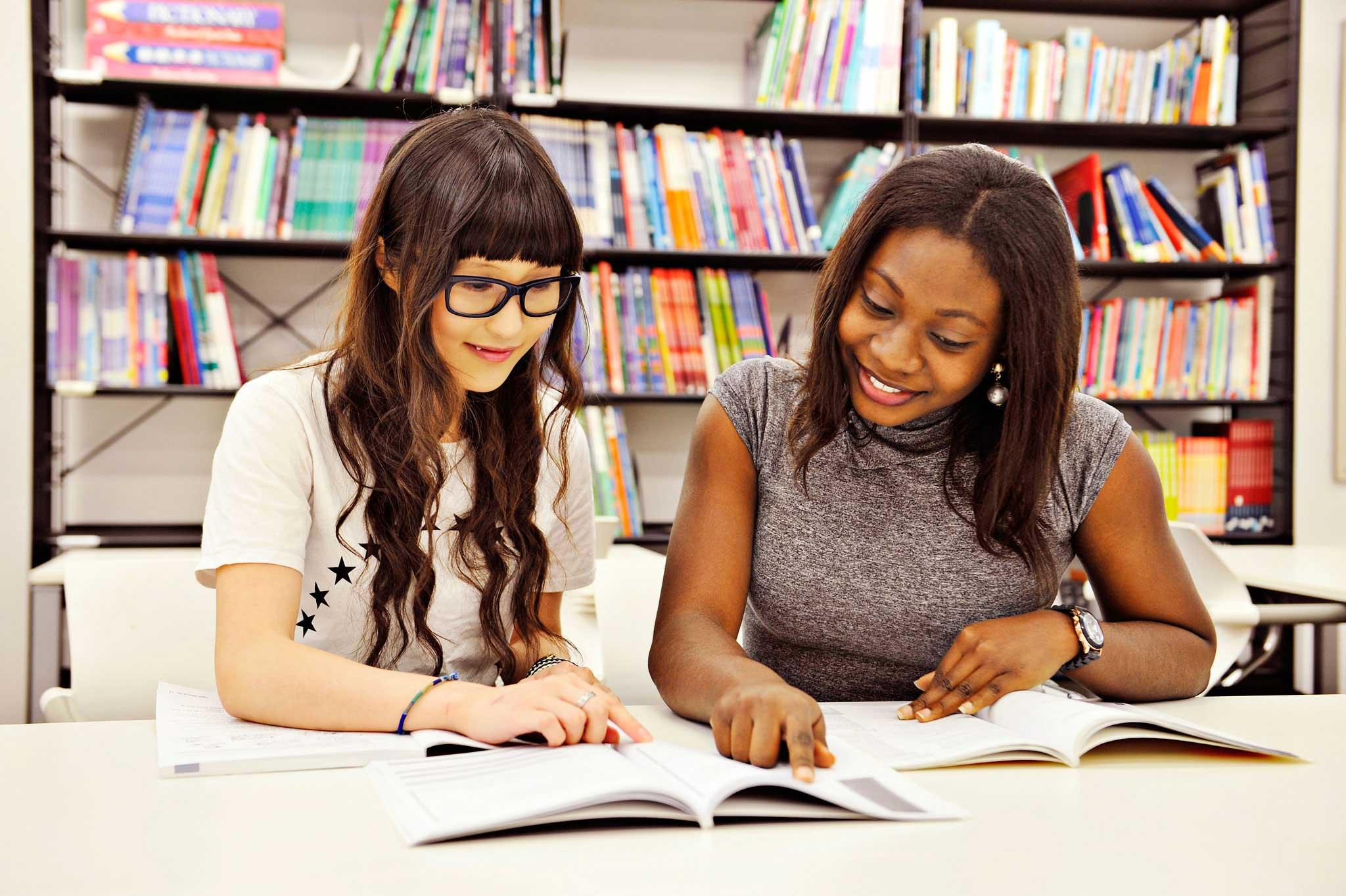ادرس مع أصدقائك في مركز موارد التعلم
