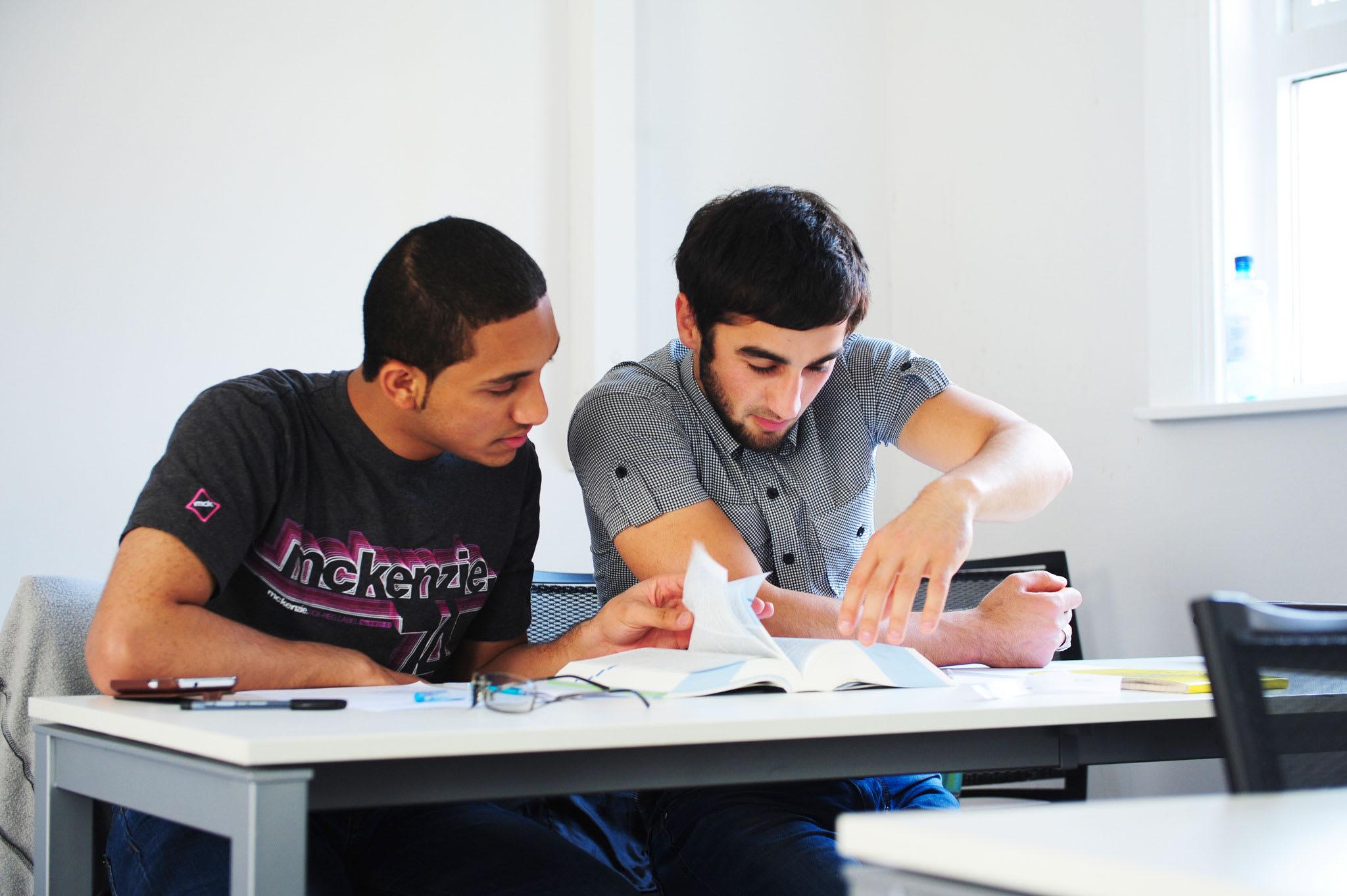 طور مهاراتك في كتابة المقالات قبل بدء دراستك للحصول على الدرجة