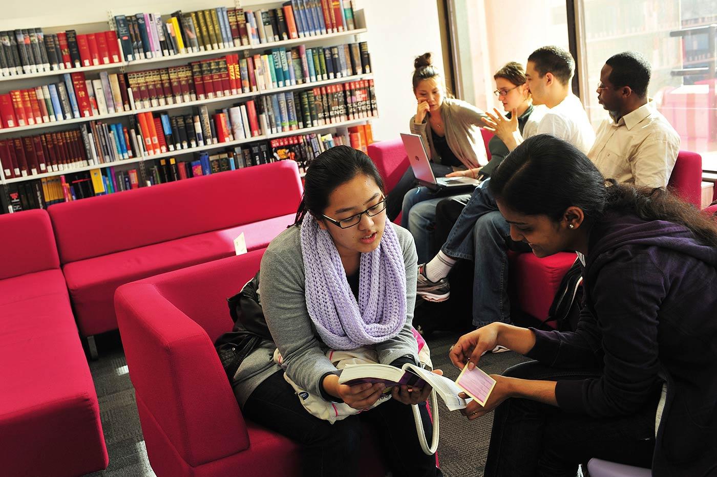 الانتفاع الكامل من المكتبة الجامعية