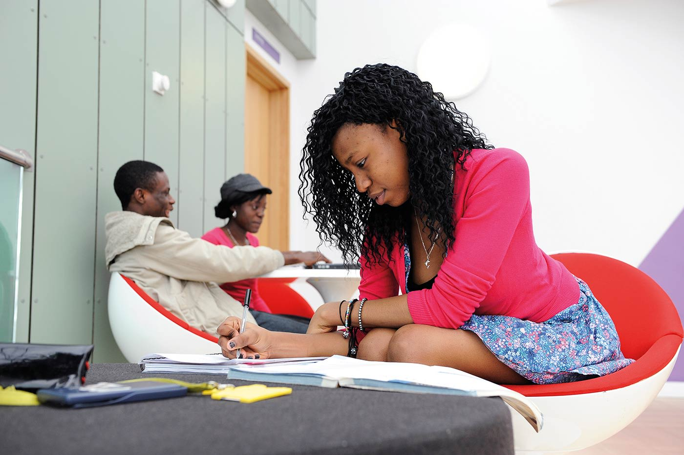 مساحات واسعة للدراسة الهادئة والتواصل الاجتماعي