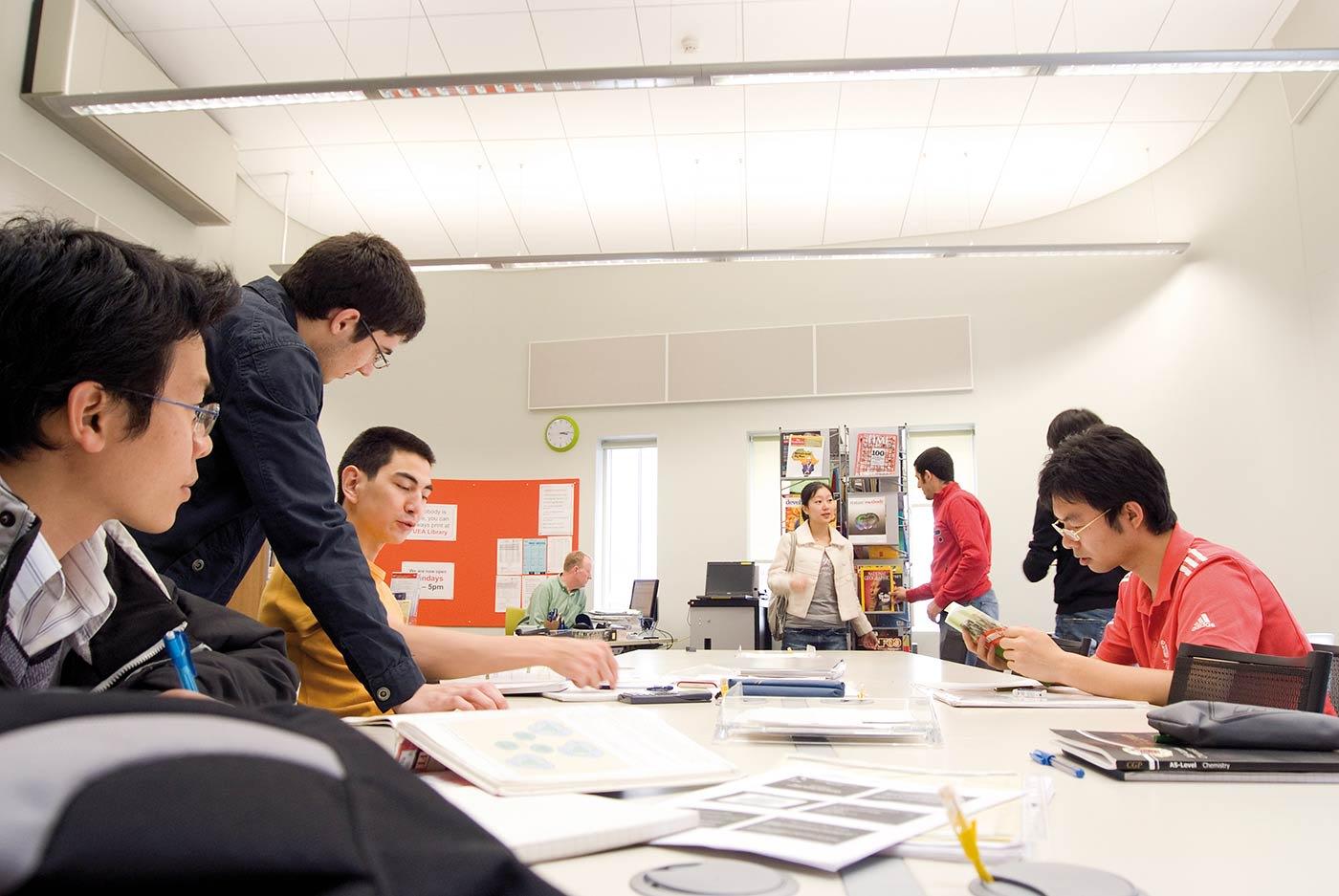الاستعداد من أجل النجاح في جامعة إيست أنجليا
