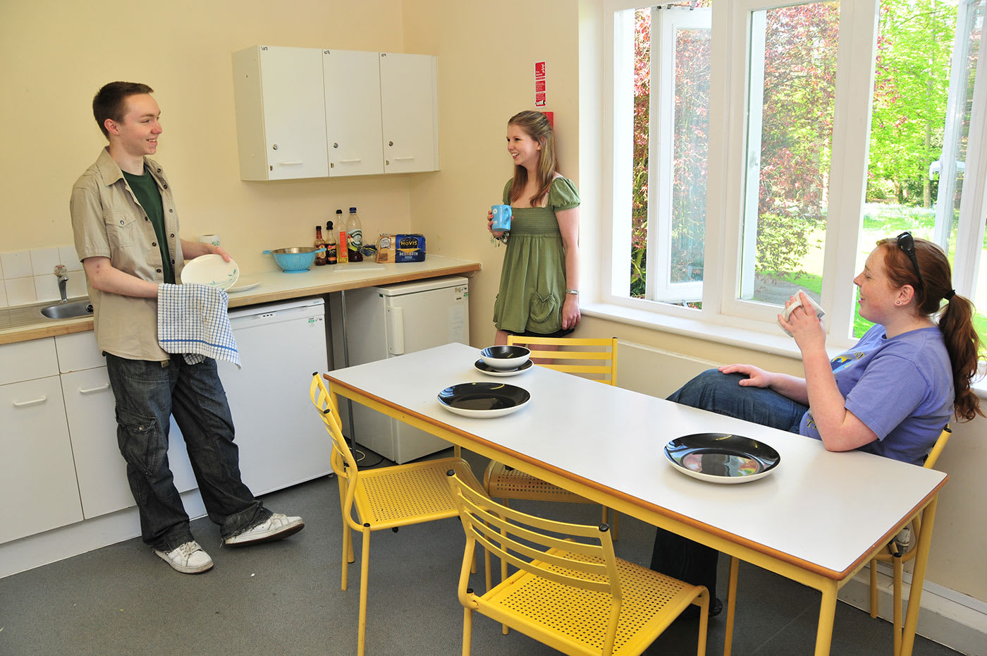 Make dinner with friends in the communal kitchen
