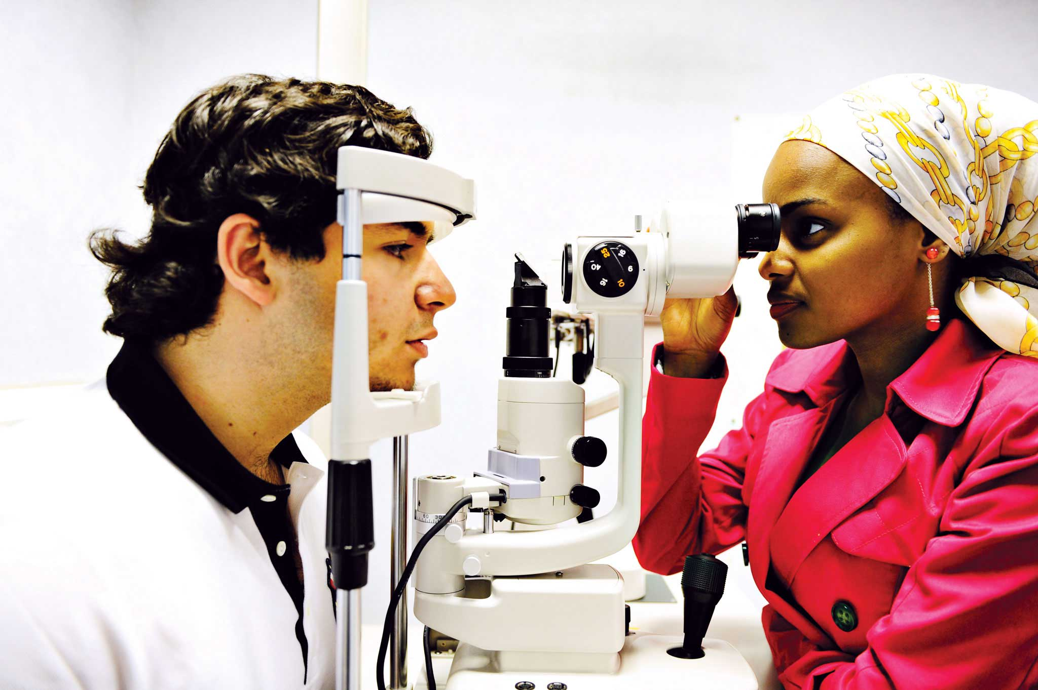 Study at the University's specialist eye clinic