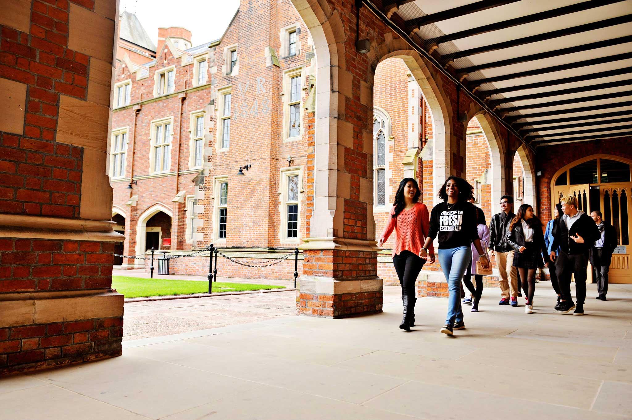 ادرس في واحدة من أقدم الجامعات البريطانية