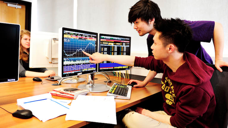 International students study accounting and finance