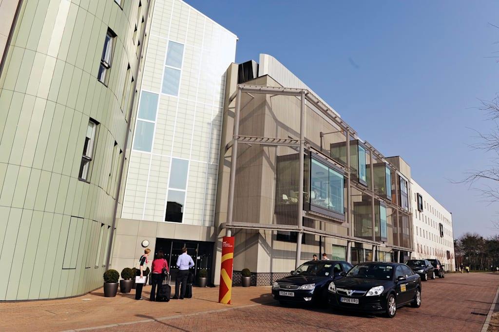 يمتلك مركز الدراسات INTO كل ما يلزم للنجاح