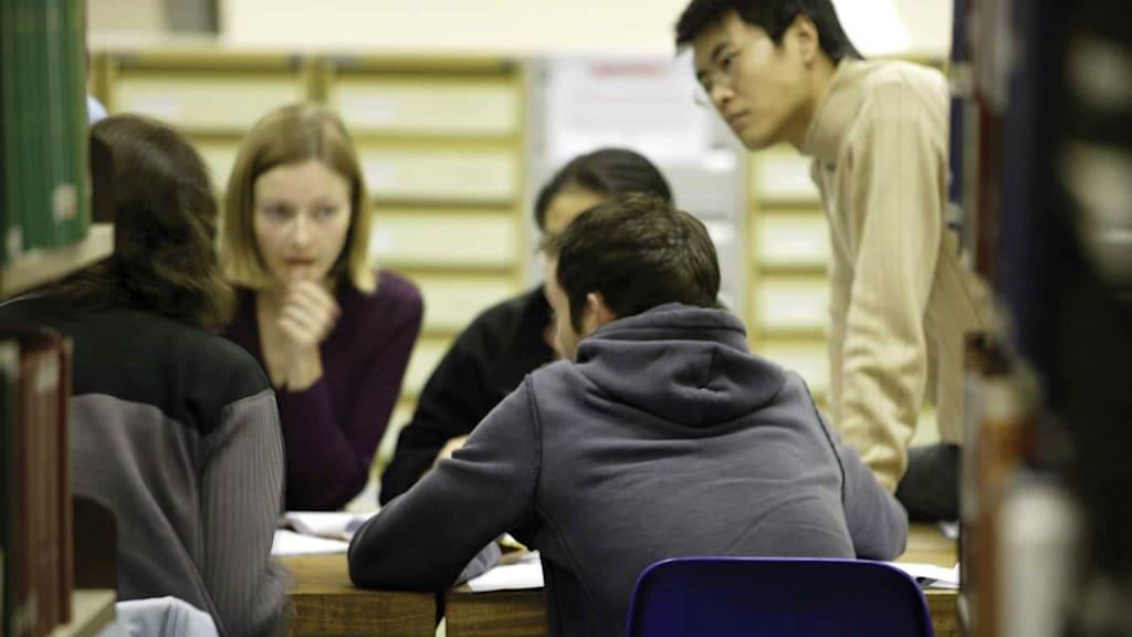 تقدّم أكثر من 700 طالبًا في INTO لجامعة مانشستر