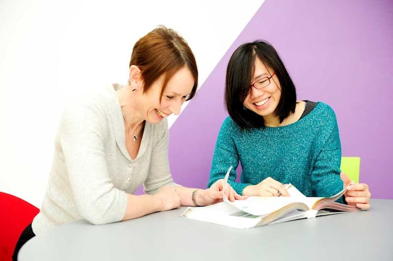 النصيحة والدعم المتوفرين في أفضل الجامعات